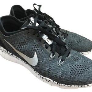 Nike Women's Free TR MT 5